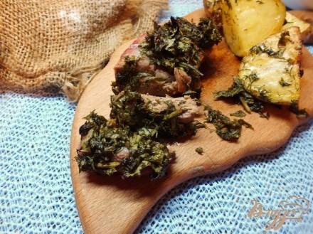 Мясо под шубой из зелени