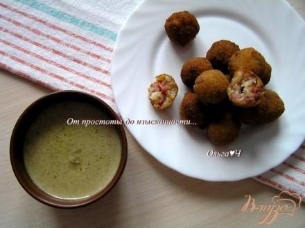 Шарики из креветок в кокосовом соусе с карри