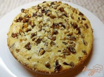 Пирог на кислом молоке с грецкими орехами