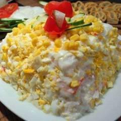 фото рецепта Торт-салат с крабовыми палочками и яйцом