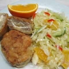 Котлеты из лосося в яйце с легким салатом