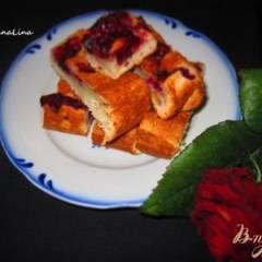 Пирог на сметане с вишней и орехами