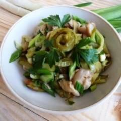 Салат из соленых огурцов и грибов