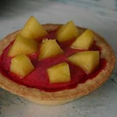 фото рецепта Холодные пирожные из вишни в тарталетках