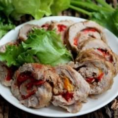 Мясной рулет с болгарским перцем и луком