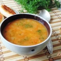 Вегетарианский гороховый суп с томатом.