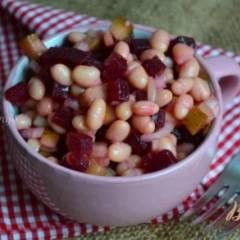 Салат со свеклой и белой фасолью