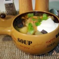 Суп с лесными грибами на курином бульоне