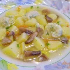 фото рецепта Суп с грибами, клецками и зеленью