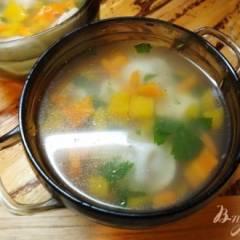 Суп с тыквой и пельменями