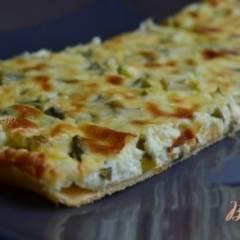 Пирог с брынзой и зеленым луком