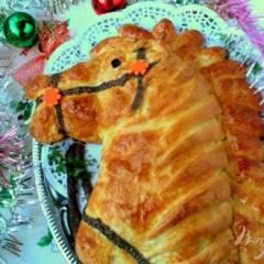фото рецепта Пирог-кулебяка «Лошадка»