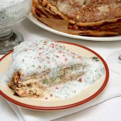 Блинчатый пирог с лососем