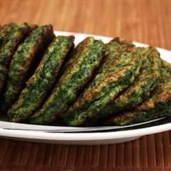 фото рецепта Зеленые оладьи из шпината и брокколи