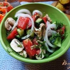 Салат со свежими шампиньонами