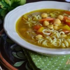 Суп с нутом и лапшой
