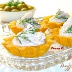 Кукурузные тарталетки с паштетом из крабовых палочек