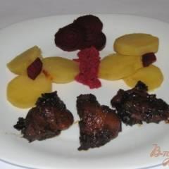 Мясо с курагой и черносливом