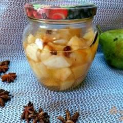 Консервированная груша  со специями в собственном соку