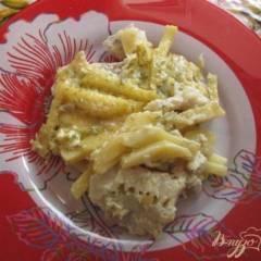 Минтай с картошкой под сырным соусом