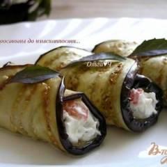 Закуска из баклажан с творожным сыром, овощами и базиликом