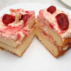 Творожный торт с клубникой