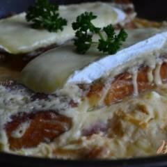 Омлет с сыром и гренками