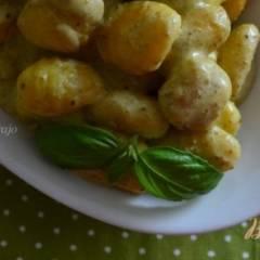 Ньокки в сырном соусе с песто