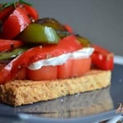 Теплый салат на тостерном хлебе