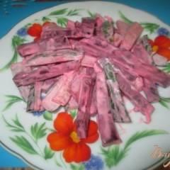 Салат со свеклой, редисом и огурцом