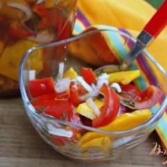 Закусочный салат из маринованных овощей