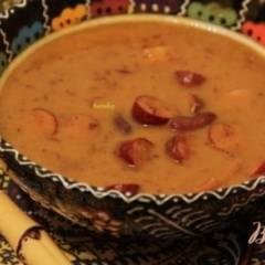 Суп с тыквой, фасолью и колбасками