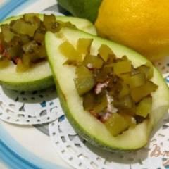 Салат из груши с орехами