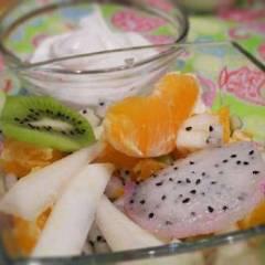 фото рецепта Экзотический фруктовый салат с соусом