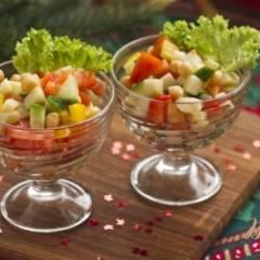 Салат с нутом и овощами