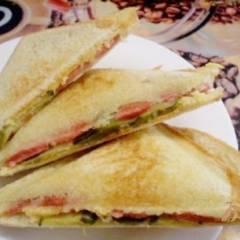 фото рецепта Сэндвичи с соленым огурцом