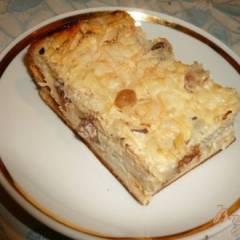 Сладкий пирог с рисом, яблоком и изюмом