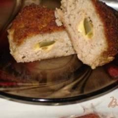 Котлеты с соленым огурцом и сыром