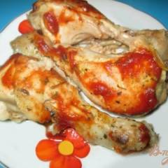 Жареная голень цыпленка с базиликом и чесноком