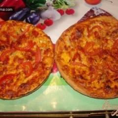 Итальянская пицца с чрезо и моцареллой