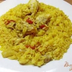 Рис тушеный с курицей и овощами