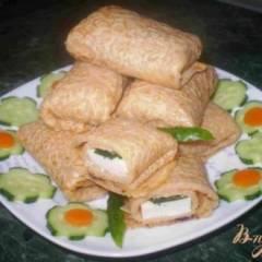 Блины с сыром и соленым огурцом