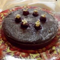 Шоколадный пирог с вишней и шоколадом