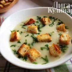 Картофельный суп с луком-пореем и гренками