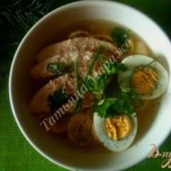 Суп с блинной лапшой на курином бульоне