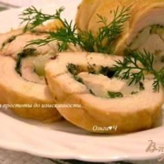 Рулет из куриной грудки с грушей и сыром