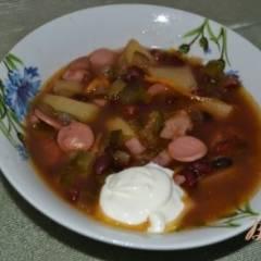 Суп фасолевый с солеными огурцами