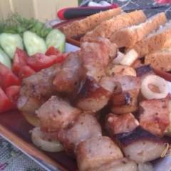 Свиной шашлык с кетчупом