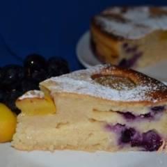 Йогуртовый пирог с нектаринами и виноградом