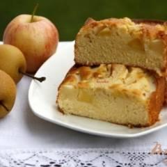 Пирог с грушами и яблоком